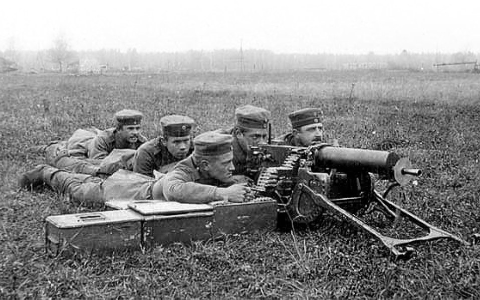 Finnish Volunteers training with a machinegun at Lockstedt