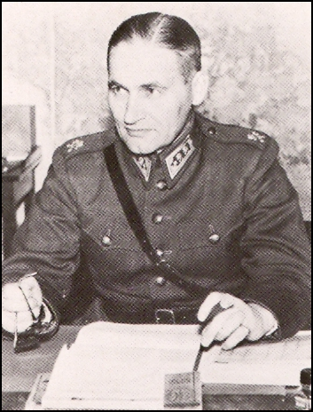 General Hugo Österman (1892–1975), Commander of the Armed Forces from 1933–1939